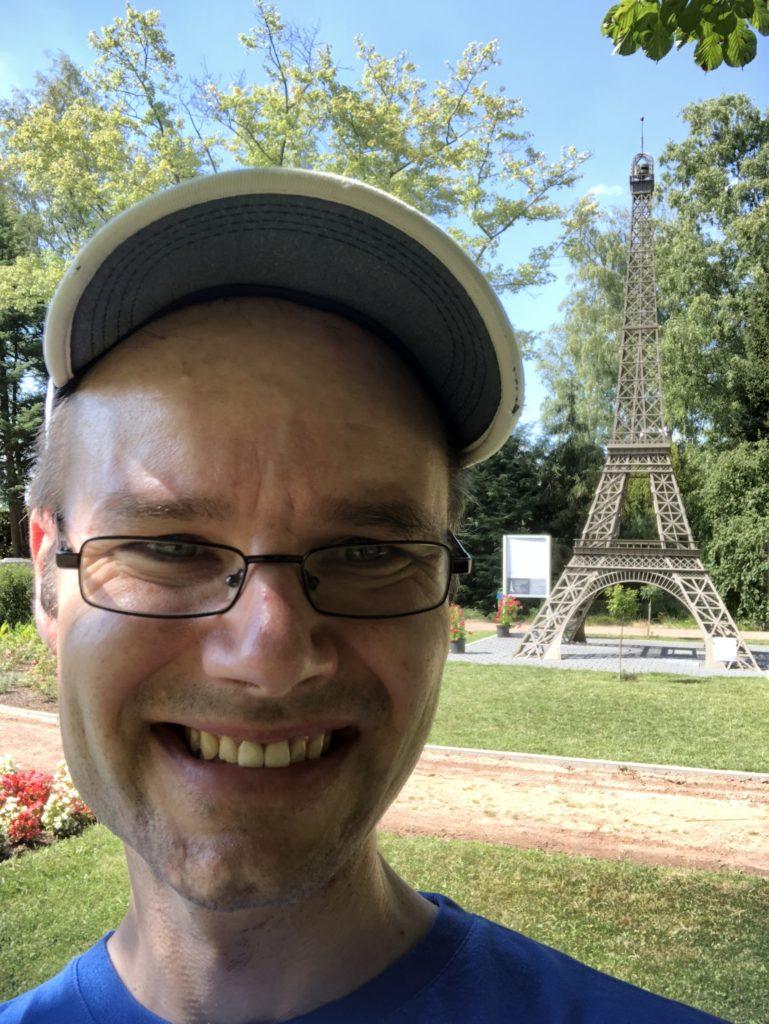 Eiffelturm in Blumengarten Bexbach 26.07.2018